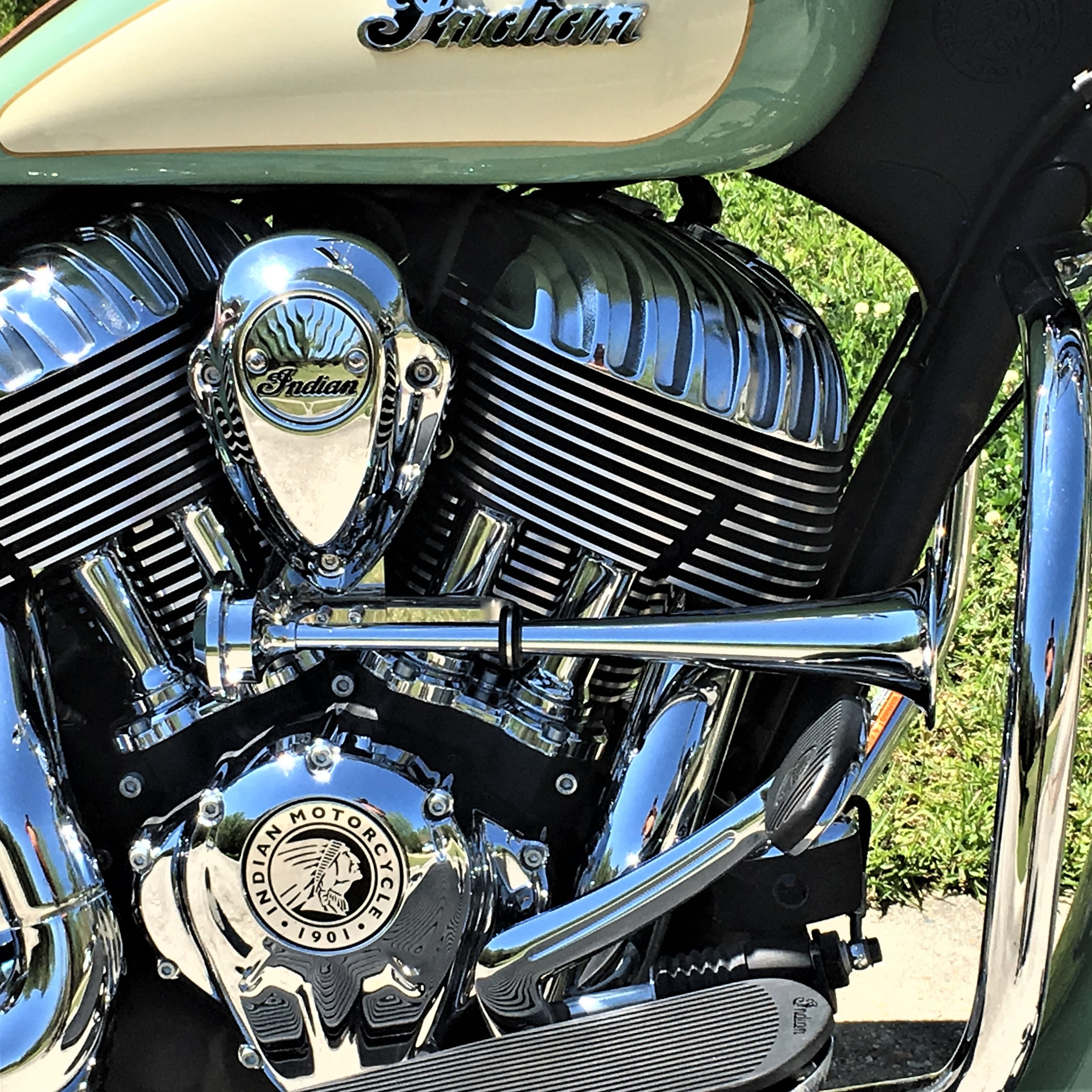 air horn system 15″ – 2014-2017 models  $279 99  indian motorcycle